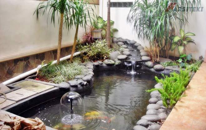 Kolam Ikan Minimali Samping Rumah